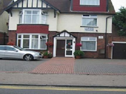 Clifton Guest House in MAIDENHEAD