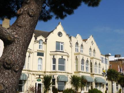 Crawley Hotels - The Best Crawley Hotel Deals
